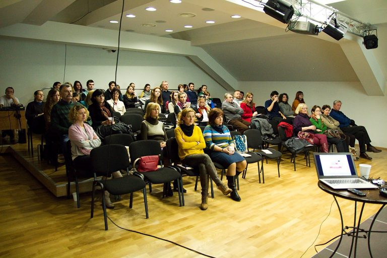 Školenie v Banskej Bystrici v priestoroch Stredoslovenského osvetového strediska. Foto: Michal Veselský