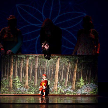 Ivan Gontko s Gašparkom počas programu Nehmotné poklady v Divadle SĽUK. Foto: Michal Veselský.