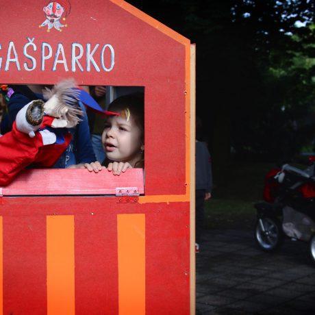 Deti v úlohe bábkohercov. Medzinárodný deň detí v SĽUK-u.