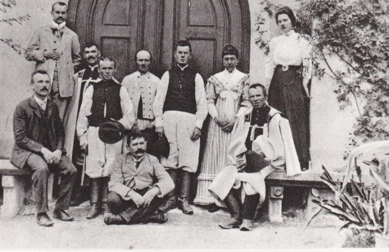 Členovia družstevnej správy Potravného družstva v