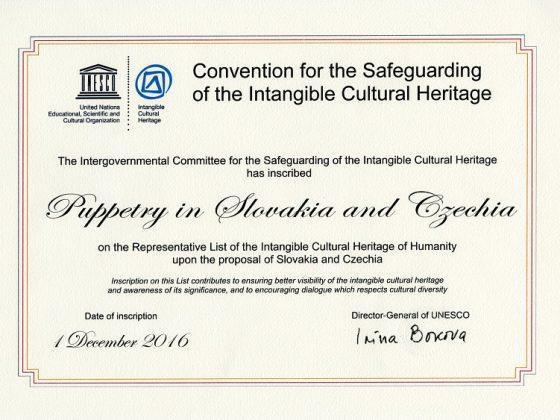 Tradičné bábkarstvo na Slovensku a v Česku UNESCO certifikát