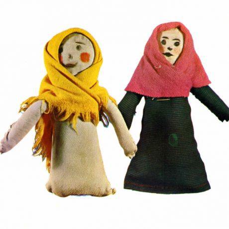 Handrové bábiky - popky. Zamagurie, polovica 20. storočia. Prevzaté z Michalides, P.: Ľudové hračky na Slovensku. Bratislava 1972, s. 249
