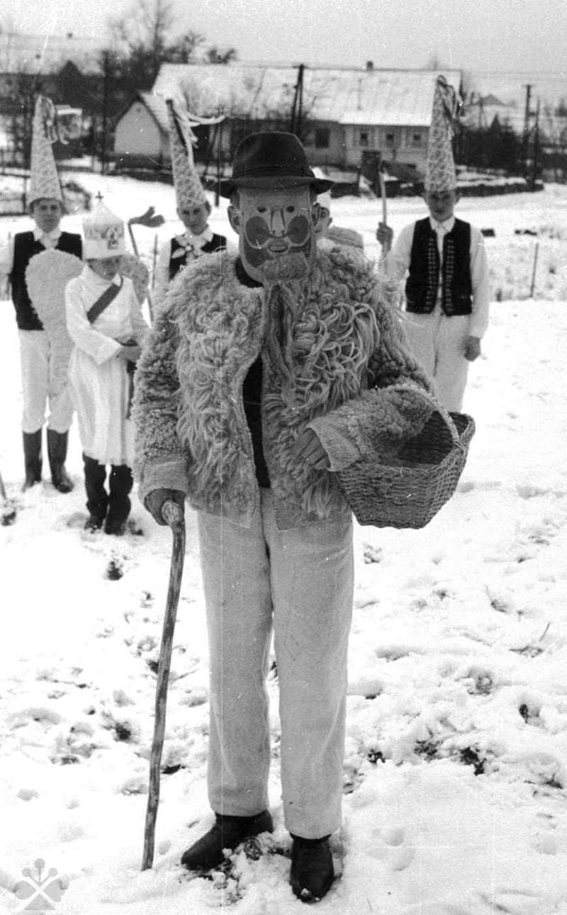 Kuba z betlehemskej hry. Cigeľka (okr. Bardejov). Archív negatívov Ústavu etnológie SAV v Bratislave. Foto M. Mušinka 1971.
