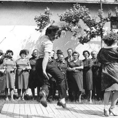 Pozdišovský čardáš. Pozdišovce (okr. Michalovce). Vedecký archív ÚEt SAV, foto T. Szabó 1987.