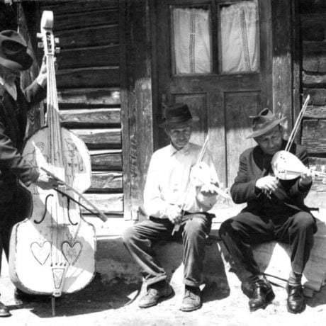 Muzikanti z Liptovských Sliačov (okr. Ružomberok). Foto T. Szabó 1966.
