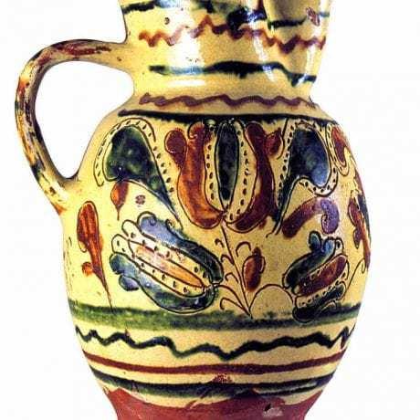 Džbán. Beluj,  1883. Prevzaté z Danglová, O.:  Dekor/Symbol. Dekoratívna  tradícia na Slovensku a európsky kontext. Bratislava  2001, s. 54