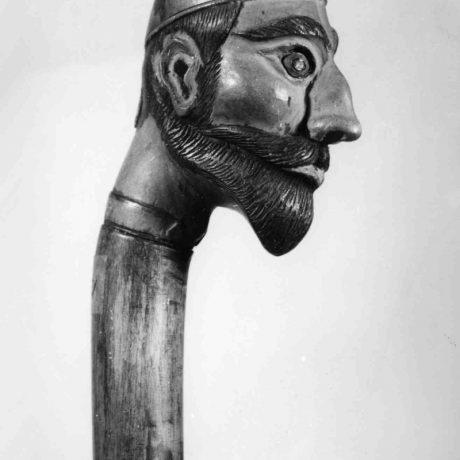Palica ukončená hlavou Žida. Lučenec
