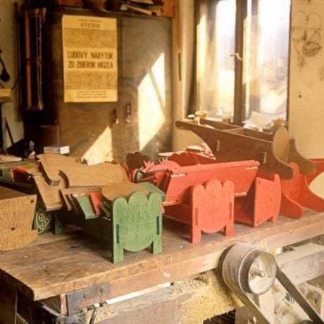 Dielňa na výrobu hračiek. Ladzany