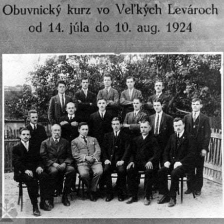 Obuvnícky kurz vo Veľkých Levároch (okr. Malacky) v roku 1924.