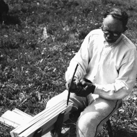 Paženie šindľa (vyrezávanie žliabku). Východné Slovensko