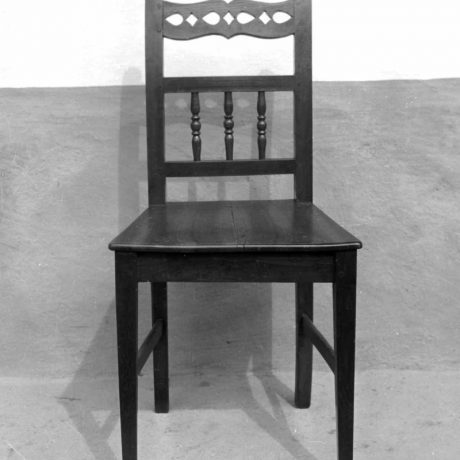 Stolička  rámovej konštrukcie