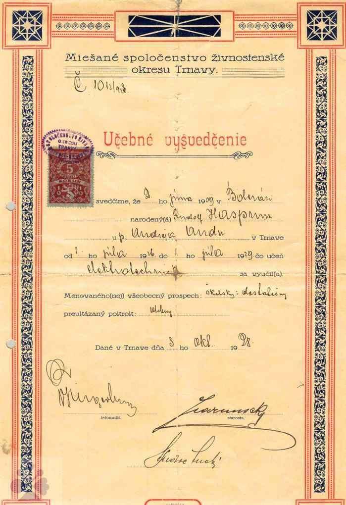 Učebné vysvedčenie z roku 1928. Súkromný archív M. Kaľavského. Foto M. Kaľavský.