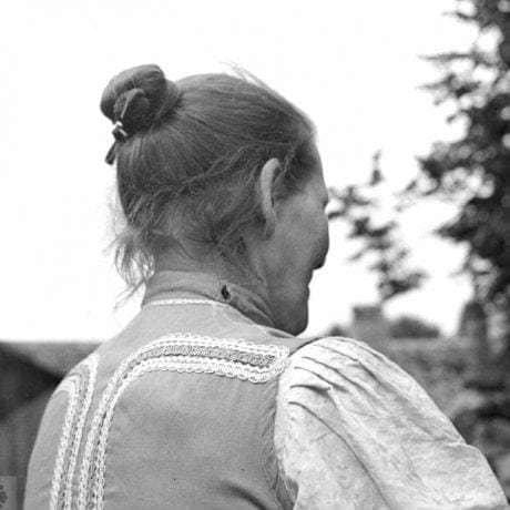 Účes vydatej ženy bez podložky do účesu