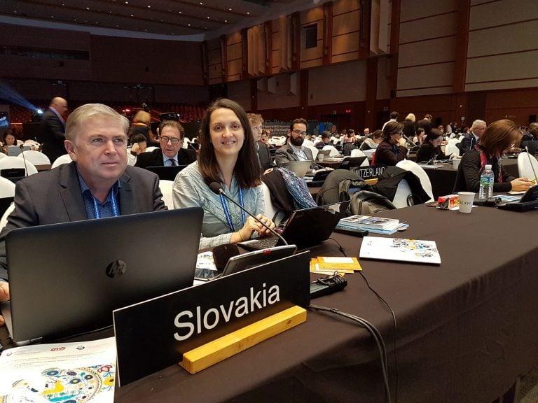 Juraj Hamar a Ľubica Voľanská na zasadnutí Medzivládneho výboru UNESCO v Kórei.