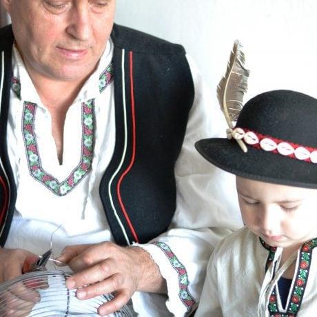 Štefan Smržík z Námestova so svojim vnukom. Foto: Michaela Odreková